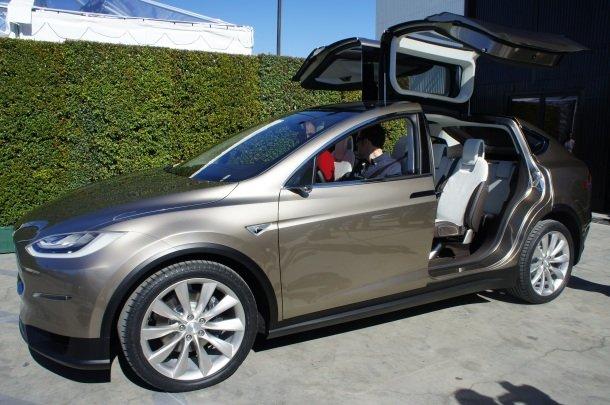 Das Elektroauto Tesla Model X erhält die identische Antriebseinheit wie das Model S