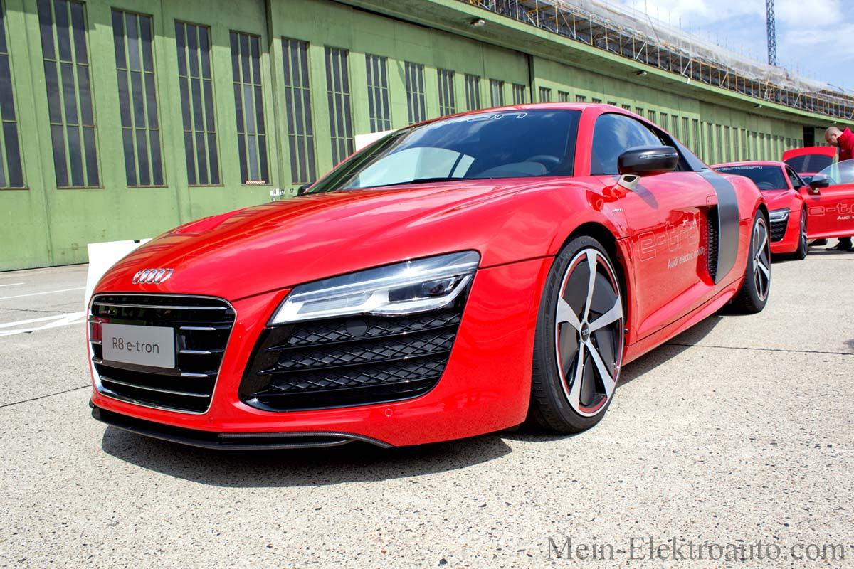 elektroauto audi r8 e tron kommt mit ber 400 kilometer reichweite auf den markt. Black Bedroom Furniture Sets. Home Design Ideas