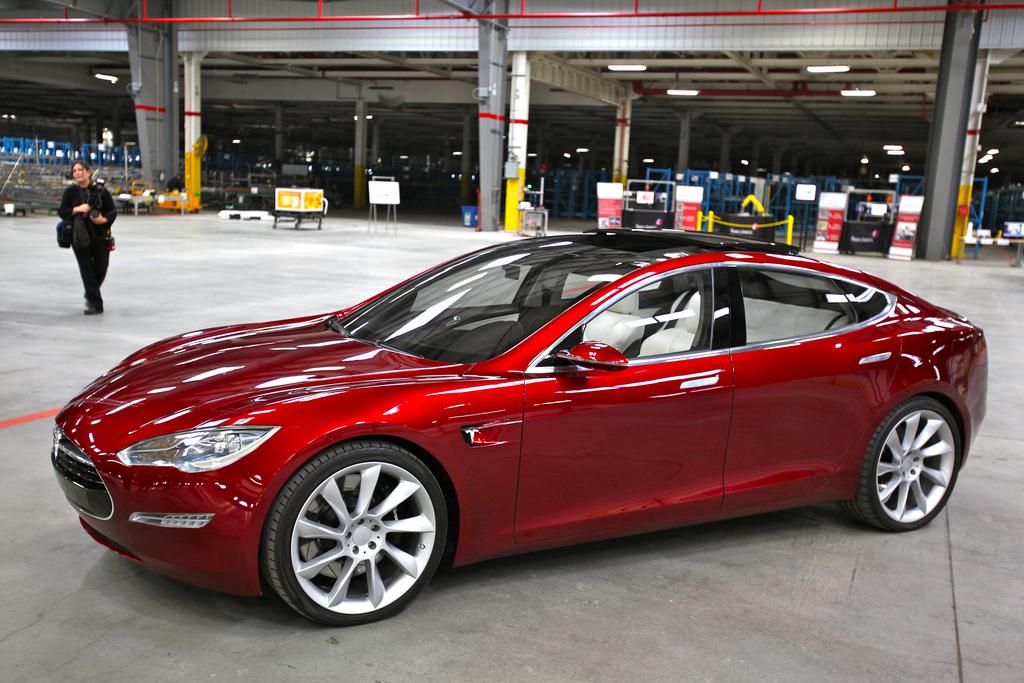 Elektroauto Tesla Model S stellt neuen Verkaufsrekord in Norwegen auf