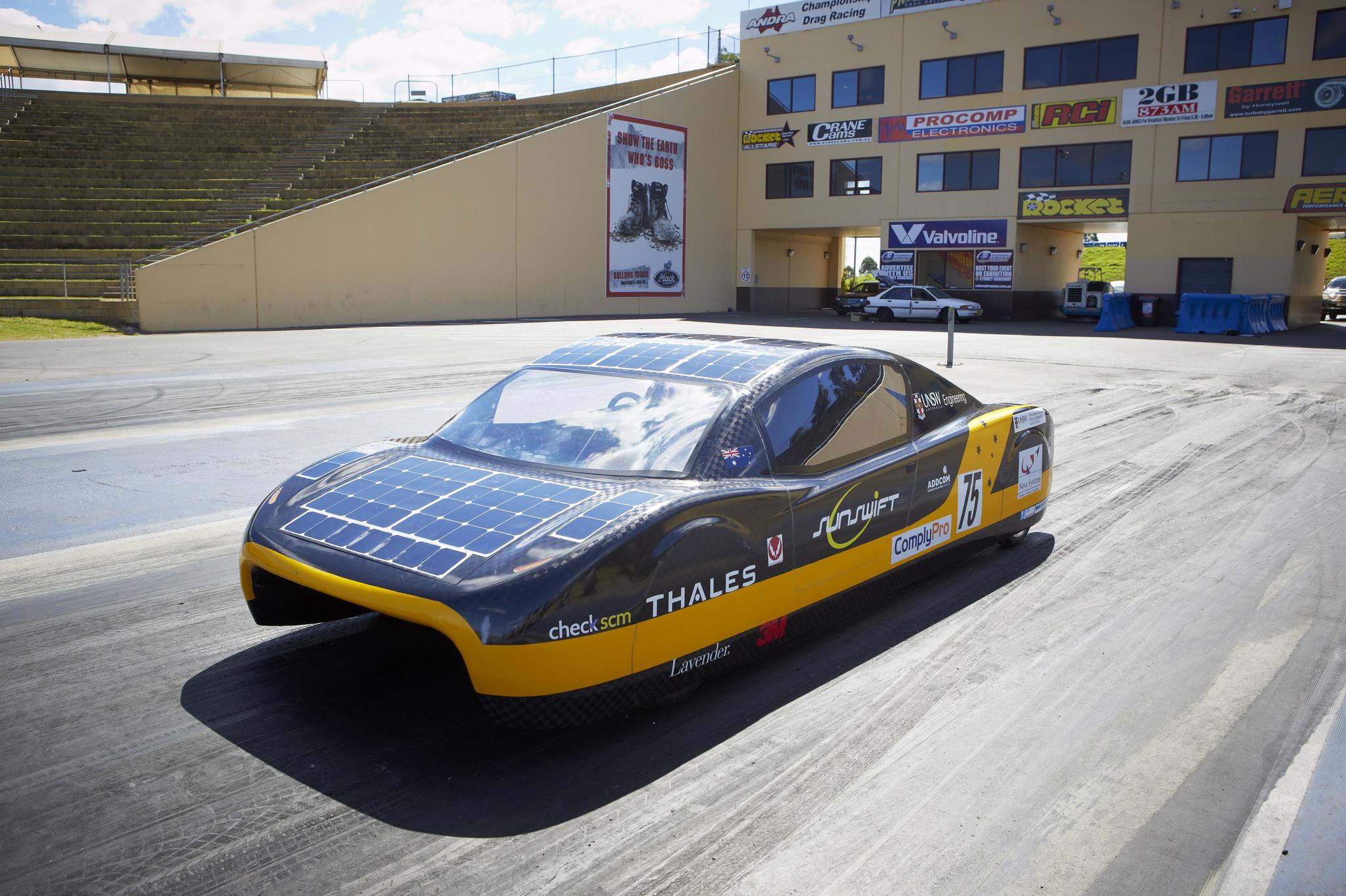 Australisches Solarauto Knackt Den Geschwindigkeitsrekord