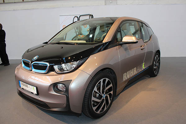 mit dem elektroauto bmw i3 kann man durch london fahren ohne zu bremsen. Black Bedroom Furniture Sets. Home Design Ideas
