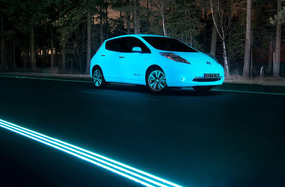 wenn das selbstleuchtende elektroauto auf die fluoreszierende stra e trifft mein elektroauto. Black Bedroom Furniture Sets. Home Design Ideas