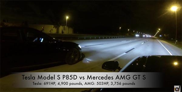 Elektroauto Tesla Model S P85D Versus Mercedes AMG GT S
