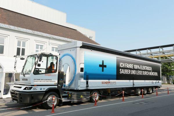 BMW Group nimmt 40-Tonnen Elektro-LKW in Betrieb