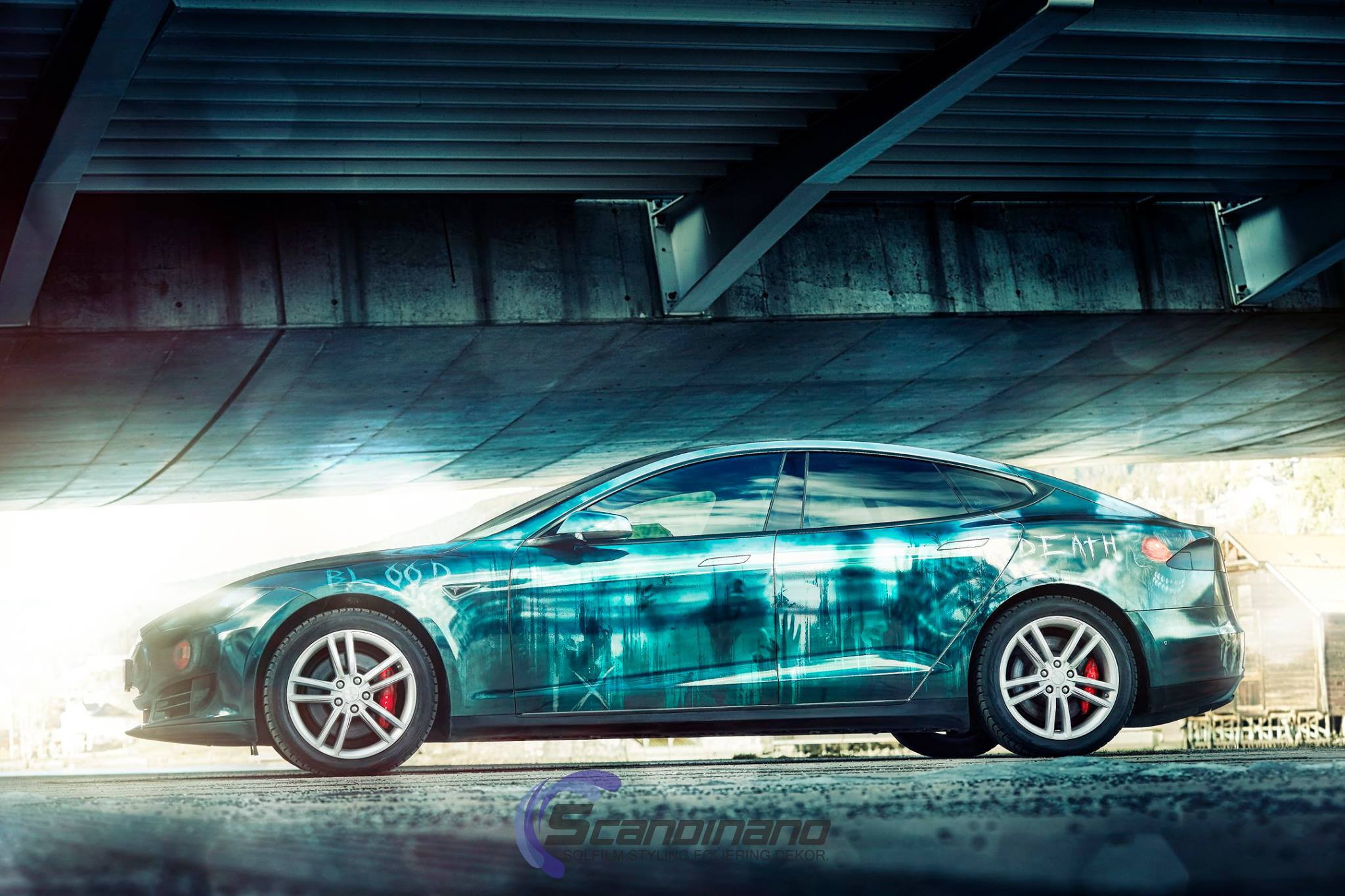 Elektroauto Tesla Model S im Zombie-Design - Mein Elektroauto